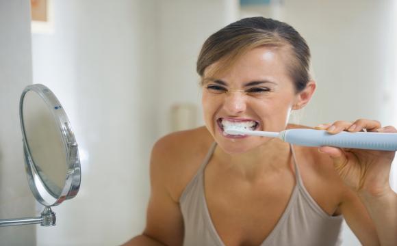 Як доглядати за зубами, щоб вони були красивими