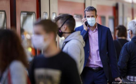 На Covid-19 швидше можна захворіти через розмову, а не кашель - вчені