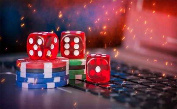 Що таке онлайн казино і як воно працює*