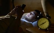 Tophype: що відбувається з тілом під час сну поряд з телефоном. ВІДЕО