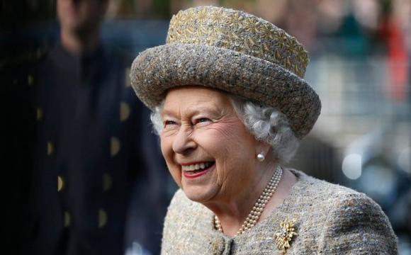 Чому королева Єлизавета завжди носить капелюшки? Відповідь здивує...