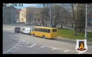 У Луцьку ДТП з маршруткою біля «Променя». ВІДЕО