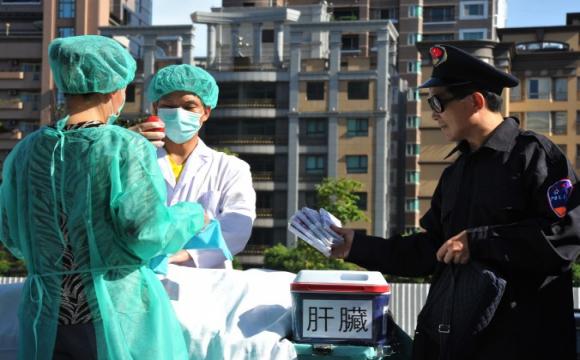 У Китаї лікарів посадили за незаконне вилучення органів