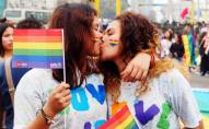 У пари лесбійок на світ з'явилися одразу 5 дівчаток. ФОТО
