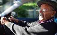 88-річний дідусь гнав під 200 км/год: спізнювався на вакцинацію