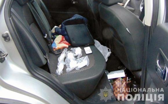 Поліція затримали іноземця з великою партією кокаїну. ФОТО