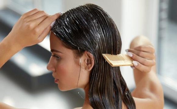 Як доглядати за волоссям влітку: 5 порад