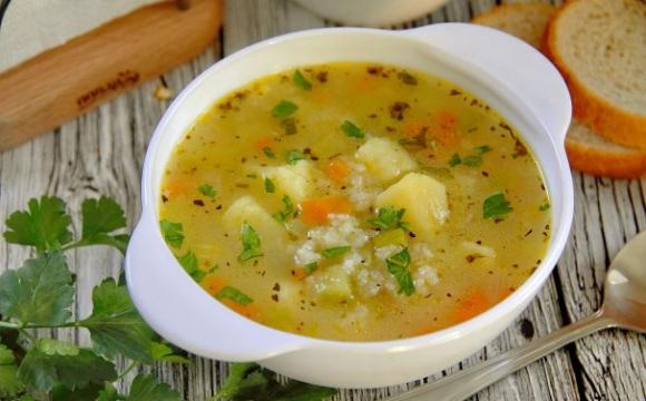 Працівниці офісу доставили суп з пожованою жуйкою. ВІДЕО