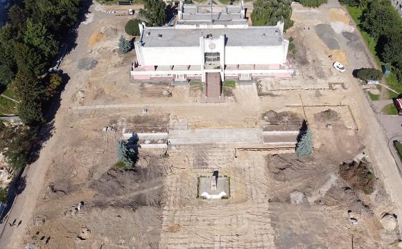 Показали неймовірні фото площі перед РАЦСом у Луцьку