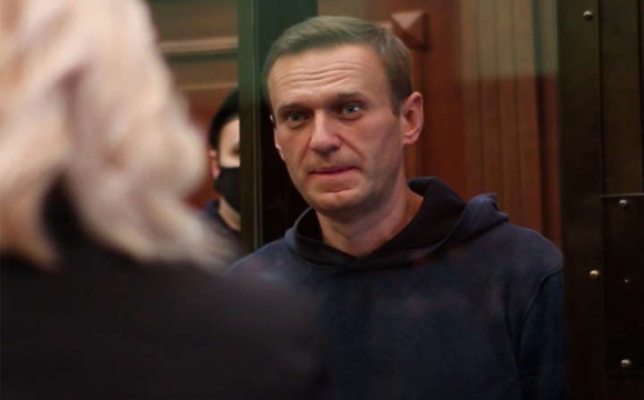 Навального відправили за ґрати на три з половиною роки