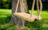 На Рівненщині знайшли повішеним на гойдалці 9-річного хлопчика