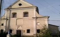 Волинські прихожани прогнали підприємця, який влаштував у монастирі бар