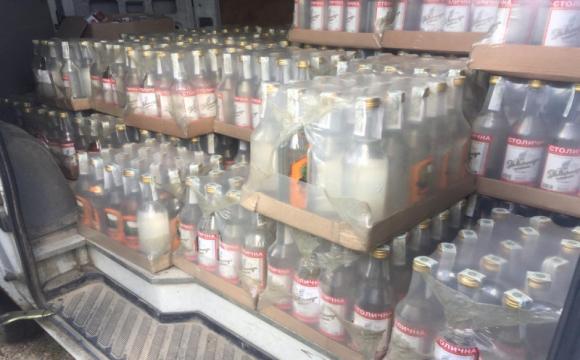 Під Луцьком виявили склад контрафактного алкоголю та сигарет