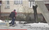 2 волинян отруїлися сурогатом, і впали просто на вулиці. ВІДЕО