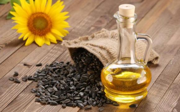 Ціна на соняшникову олію зросте до 100 гривень за літр