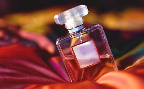 Як обрати правильні парфуми на подарунок?