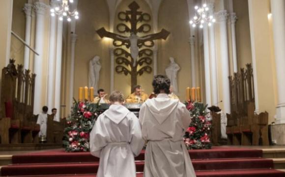 «Наркотики згвалтування» за гроші парафіян: священник спустив пожертвування на нічні розваги