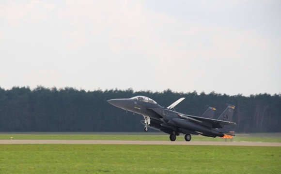 США перекинули в Польщу десятки винищувачів. ФОТО