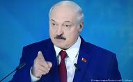 Лукашенко розкритикував смартфони і закликав перейти на кнопкові