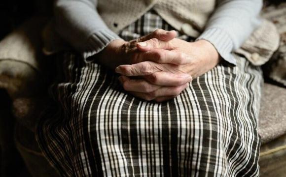 Пенсіонерка напала на жінку
