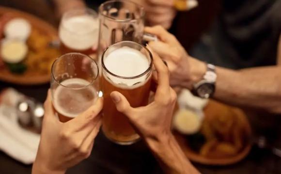 Виявили зв'язок між професією та вживанням алкоголю