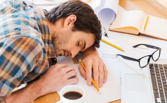 Коли закінчилась кава: які продукти і напої допоможуть прокинутися