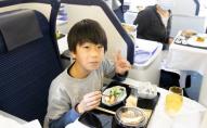 Авіакомпанія  влаштовує обіди за $540 у припаркованому літаку