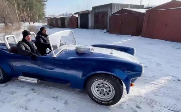 Український вчитель створив копію культового авто. ВІДЕО