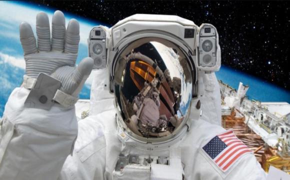 Перші космічні туристи скоро полетять на МКС. Хто вони?
