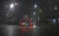 Збив, і навіть не вибачився:у Луцьку водій на «зебрі» збив дівчину. ВІДЕО