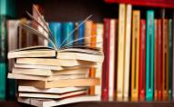 Українці вперше за роки незалежності віддають перевагу україномовним книжкам