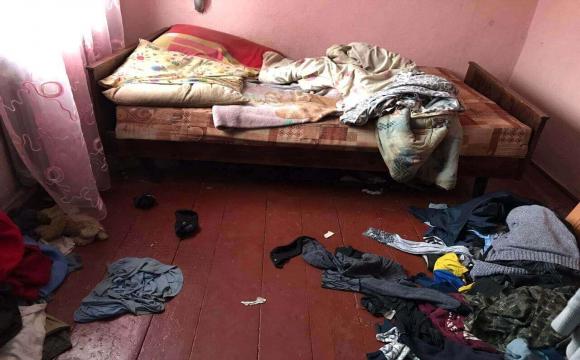 Бруд, матрац на підлозі та розкидані речі: на Волині показали, як живуть діти у «складних» сім'ях. ФОТО