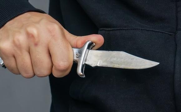 «Погрожував холодною зброєю»: у Луцьку напали на працівників «Луцькреклами»