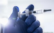 ВООЗ роздасть безкоштовно мільярд вакцин від коронавірусу