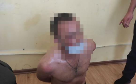 Щоб затримати грабіжника до прибуття поліції, жінка зайнялася з ним сексом