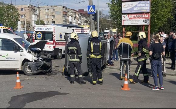 З'явилось відео моторошної аварії на Рівненській у Луцьку