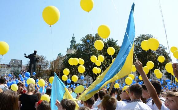 Скільки вихідних українці матимуть у серпні