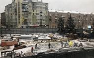 Будівельний кран впав на вагончик з робітниками