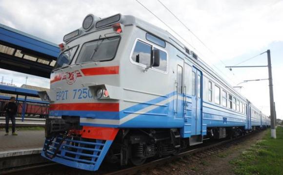 Відрізало ноги: на київському вокзалі чоловік потрапив під потяг