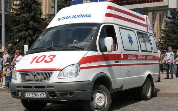 На Рівненщині обікрали автомобіль швидкої допомоги, яка приїхала з Києва