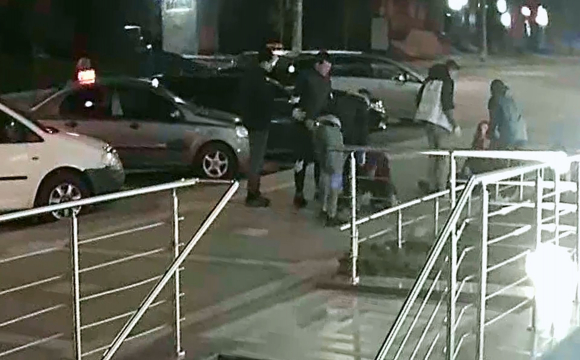 В Луцьку жорстоко побили чоловіка. ВІДЕО