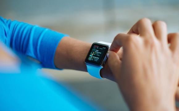 Смарт-годинник врятував життя жінці при серцевому нападі