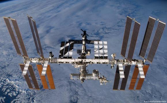 НАСА планує збудувати на Місяці атомну станцію