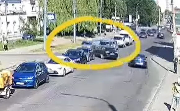На Ковельській у Луцьку ДТП за участі двох авто. ВІДЕО