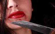 Лучанка в під'їзді нанесла чоловіку 7 ножових поранень