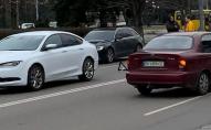 Дарій Зажицький на білому Chrysler потрапив у ДТП у Луцьку, – очевидці. ФОТО