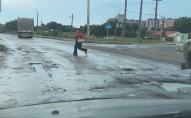 «Влади в місті немає»: лучани обурені якістю дороги на перехресті Карпенка-Карого та Задворецької. ФОТО