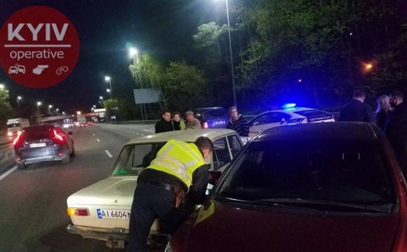 У Києві таксист влаштував потрійну ДТП. ФОТО