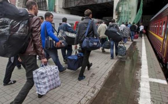 Мігранти зі Східної Європи почали масово повертатися додому