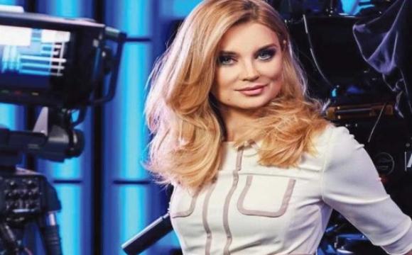Відома українська телеведуча заразилась COVID-19 після відпустки в теплих краях